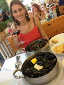 Mussels and red wine... does life get any better?